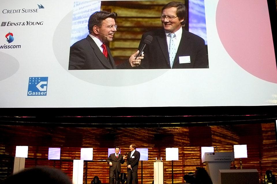 Thomas Gasser mit Stephan Klapproth bei der Prämierung im KKL