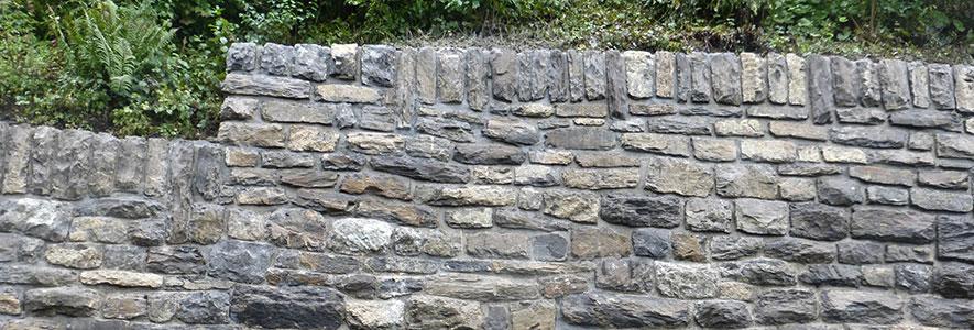 Gasser Bauservice: Sanierung von Natursteinmauerwerk