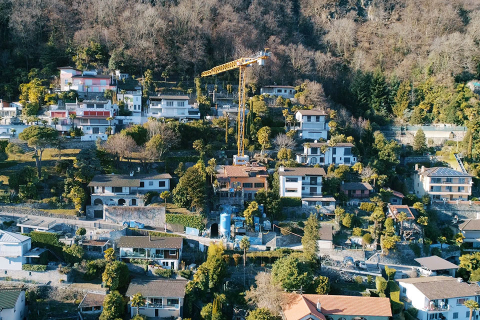 Unterirdische Hauszugänge in Ronco: Baustelle