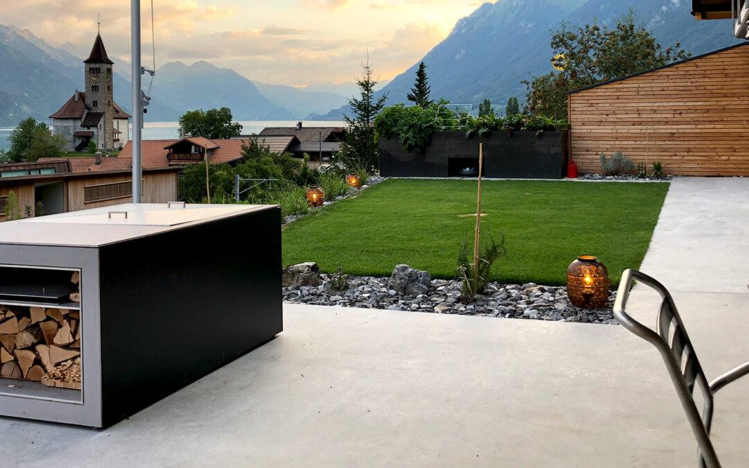 Haus, Garage und Umgebung