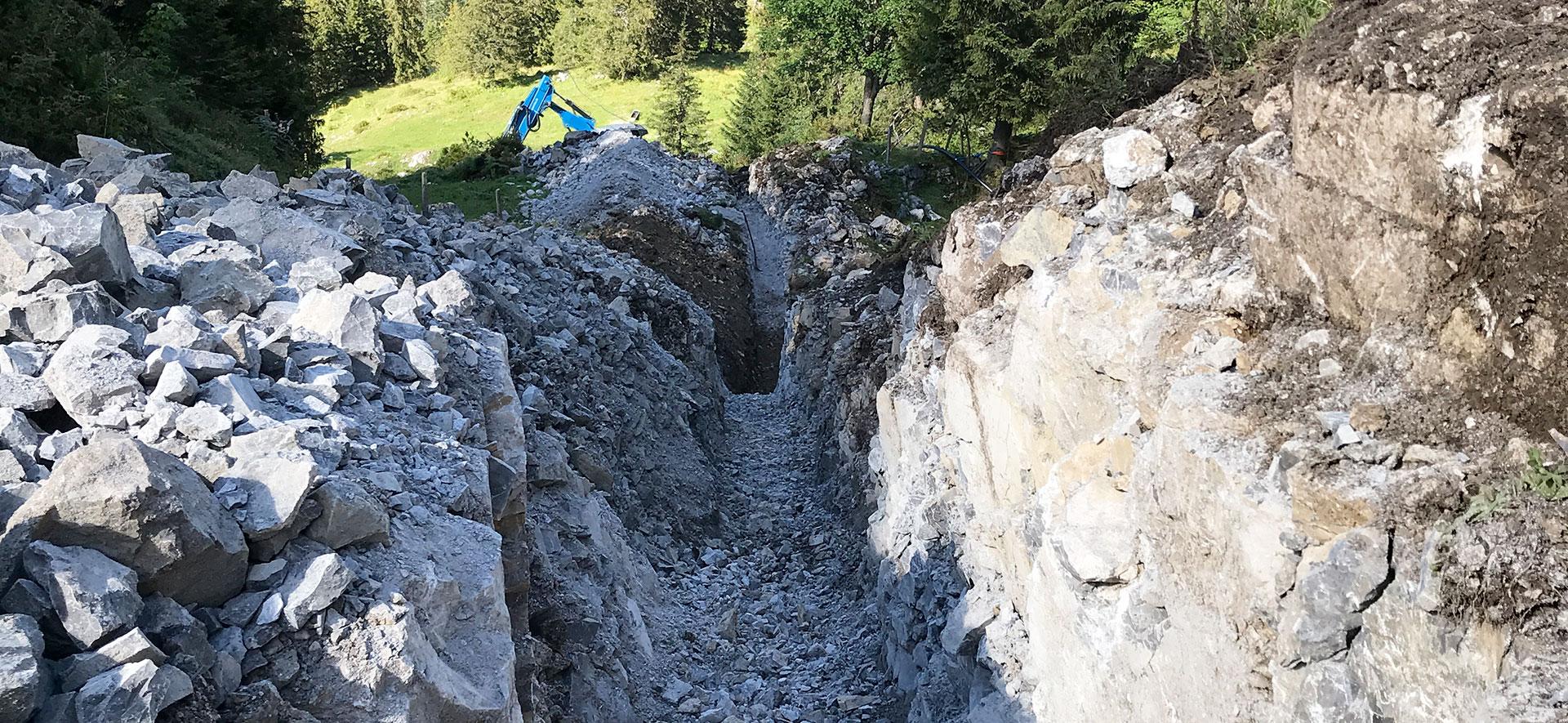 Alpiner Leitungsbau auf der Axalp